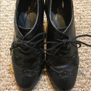 Aerosoles black booties 6 1/2 pre-owned